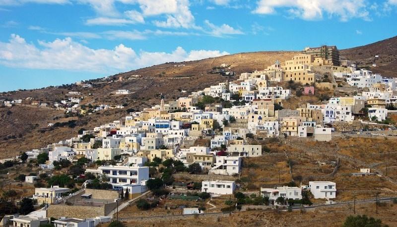 Σύρος: Κυκλοφοριακές ρυθμίσεις στην επαρχιακή οδό «Ερμούπολη – Άνω Μεριά»